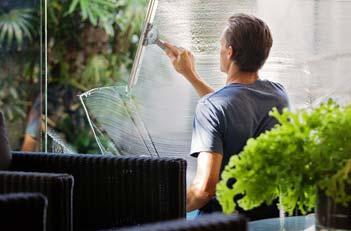 nettoyage des vitres sans traces astuces pour un nettoyage etincellant. Black Bedroom Furniture Sets. Home Design Ideas